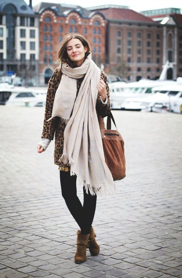 Oversized Scarves Trend For Ladies To Try This Winter 2022