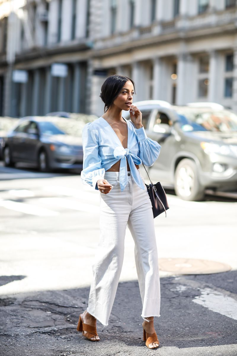 What Shoes To Wear With Flare Jeans: Simple Style Guide 2022