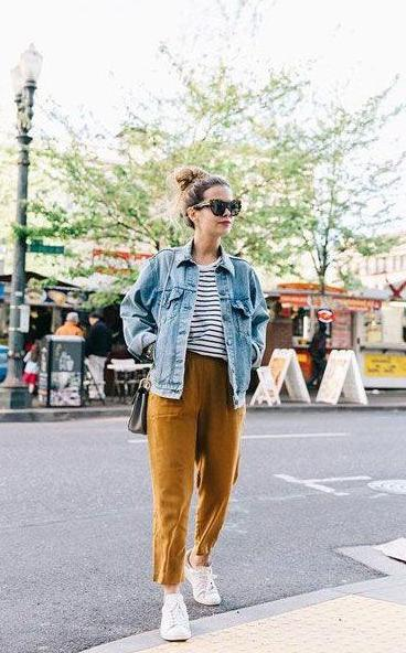 Best Denim Outfits for Women Over 40 2022