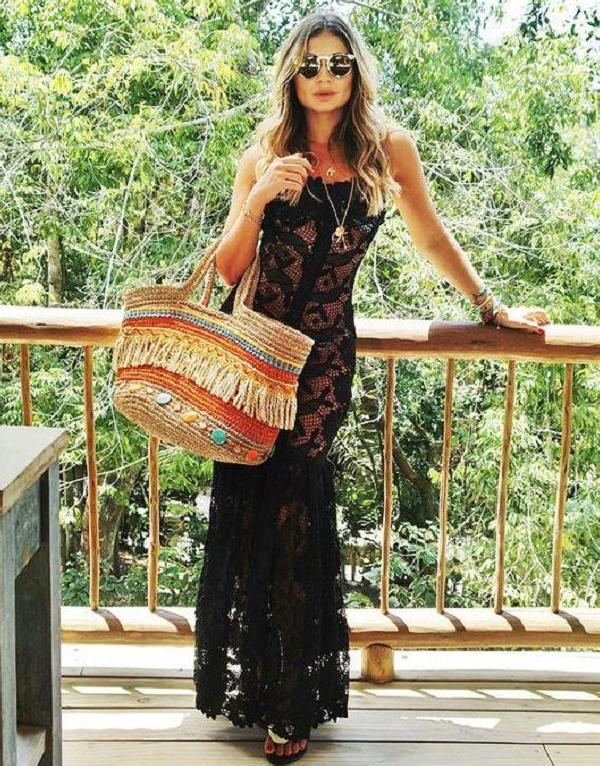 Maxi Dresses For Beach: Best Combinations 2022
