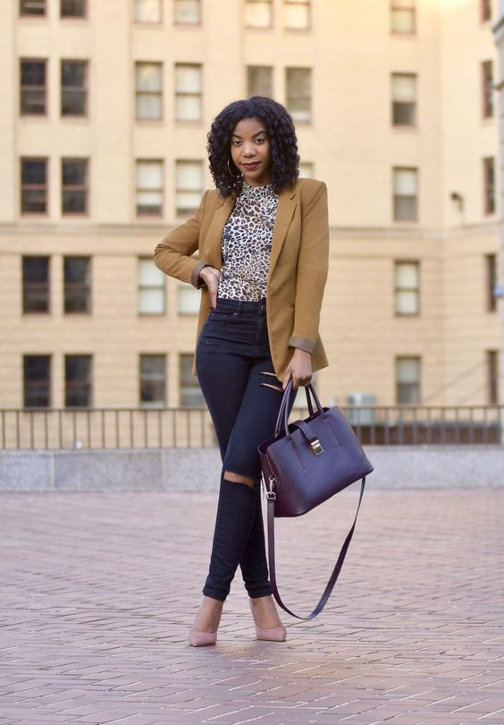 Camel Blazer With Skinny Jeans for Fall 2022