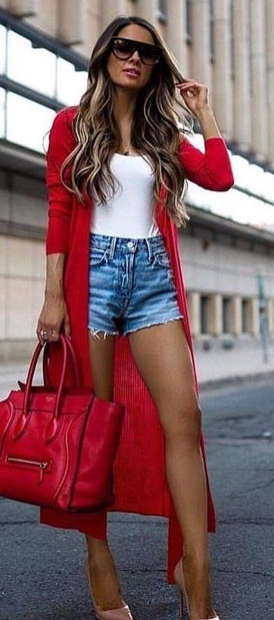 Casual Denim Outfits For Women To Try This Year 2022